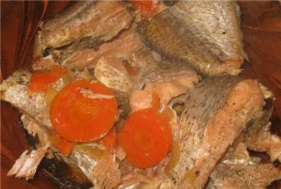 Рыба с овощами, тушеная в скороварке
