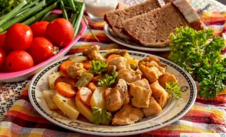 Курица в мультиварке на пару с овощами